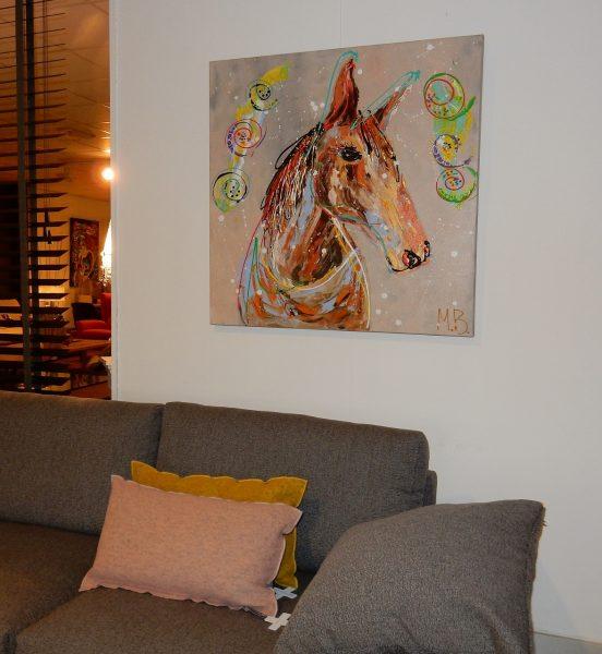 expressief, dynamisch schilderij, kleurrijk abstracte kunst, 3d schilderij, expositie, paard