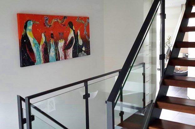bloemenschilderij, vrolijk kunstwerk, portretschilderij, figuratieve kunst, moderne kunst, vrolijk schilderij, kleurrijke kunst, 3d schilderij, schilderij in opdracht laten maken, rood schilderij, paars schilderij, vrolijk portret